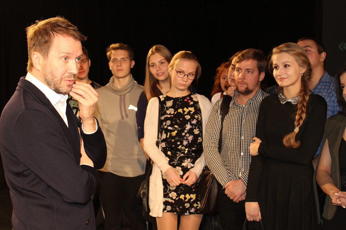 10 апреля театральная Москва рукоплескала студентам-политехникам: на малой сцене Театра Наций актеры Студенческого театра СПбПУ блистательно играли спектакль «Чудеса любви».