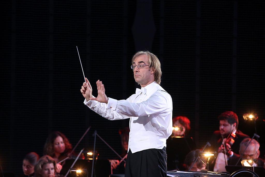 В честь 120-летия СПбПУ легендарный Мехмаш приглашает своих выпускников и преподавателей на концерт-встречу, которая состоится 9 декабря в Белом зале.